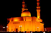 Illuminated mosque at Jumeira at night, Dubai, UAE, United Arab Emirates, Middle East, Asia