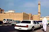 Arab and cars in front of Dubai Museum, Dubai, UAE, United Arab Emirates, Middle East, Asia