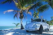 VW-Kaefer, Strand bei Boca Paila, Quintana Roo Yucatan, Mexiko