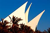 Club house of the Dubai Creek Golf and Yacht Club behind palm trees, Dubai, UAE, United Arab Emirates, Middle East, Asia