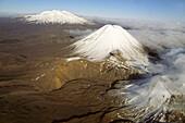 Aerial Mt Ngauruhoe, Tongariro NP, Snow capped volcanic landscape, Tongariro National Park, World Heritage, Erbe der Menscheit, New Zealand, Luftaufnahme, Volcanoes, Mt Ngauruhoe, Mt Ruapehu