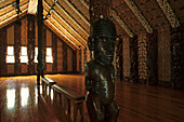 Whare runanga, meeting house, official meeting house for all of New Zealand, wood carving decoration, Maori Versammlungshaus, Waitangi, bei Paihia, 1940 gebaut
