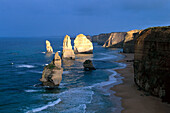 Twelve Apostels, Limestone cliffs, Port Campbell NP, Great Ocean Road, Victoria, Australia