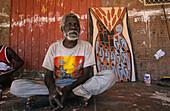 Aborigine Maler Oenpelli, alter Mann Thompson, Oenpelli, Arnhemland, Siedlungsgebiet der Aborigines, Northern Territory,  Australien