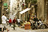 Spanish district, Napoli, Neapel, Strassenszene im Spanischen Viertel