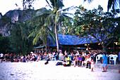 Abendstimmung, Strand mit Bar, Rai Ley Beach, West Krabi Thailand