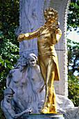 Johann Strauss monument at the municipal park, Vienna, Austria, Europe