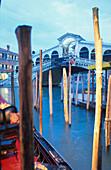 Abendstimmung Rialto-Bruecke, Venedig, Venetien Italien
