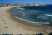 Bondi Beach, Sydney icon, Australien, NSW, Sydney, famous Bondi beach in sunshine, South city beach