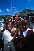 Schulkinder in Delaford, Tobago West Indies, Karibik