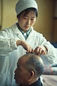 Chinesische Medizin, Akupunktur Changscha, China