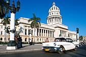 Taxi, Oldtimer, Capitoli Nationali, Havanna, Cuba, Greater Antilles, Antilles, Carribean, Central America, North America, America