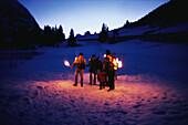 Nachtwanderung mit Fackeln, Winter People