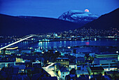 Tromso bei Nacht, Norwegen, Skandinavien