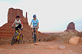 Mountainbike Tour in Monument Valley, Monument Valley, Arizona, USA