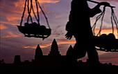 Vendor's way home, Angkor Wat, Angkor Wat, Siem Raep Cambodia, Asia