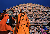 People in front of the Palace of the Winds in the sunlight, Jaipur, Rajasthan, India, Asia