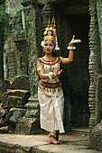Temple dancer, Ta Prom temple, Angkor, Siem Raep Cambodia, Asia