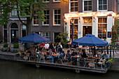 Sidewalk Cafe, Cafe 't Smalle, Egelantiersgracht, Jordaan, People sitting at open air area of Cafe 't Smalle, Egelantiersgracht, Jordaan, Amsterdam, Holland, Netherlands