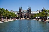 Rijksmuseum, Museumsplein, Front view of Rijksmuseum, Museumsplein, Amsterdam, Holland, Netherlands