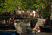 Open Air Restauarnt, Canal Bridge, Egelantiersgracht, Jordaan, People sitting in open air restauarnt on canal bridge over Egelantiersgracht, Jordaan, Amsterdam, Holland, Netherlands