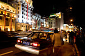 Prachtbauten am Bund, nachts,colonial architecture, at night, Zhongshan Road, Taxi