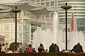 fountain, People's Square,Springbrunnen, Fontäne, Stadtkulisse mit Urban Planning Centre, public square, people