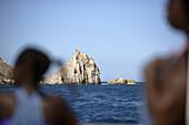 Costa Brava,Ausflugsgäste, Glasbodenboot Nautilus, Gewässer bei den Illes Medes, Costa Brava, Katalonien Spanien