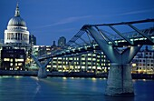 River Thames, Millenium Bridge and St. Paul´s Cathedral at night, London, England