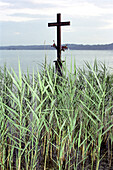 Memory cross, König Ludwig, Berg, Starnberger See, Bavaria, Germany