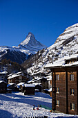 Winterly Zermatt village with the Matterhorn (4478 metres) in the background, Zermatt, Valais, Switzerland