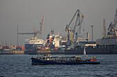 Sightseeing tour, River Elbe, port, harbor, City, Hamburg