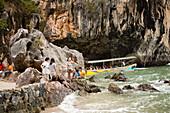 People visiting Koh Tapu, so-called James Bond Island, The Man with the Golden Gun, Ko Khao Phing Kan, Phang-Nga Bay, Ao Phang Nga Nation Park, Phang Nga, Thailand