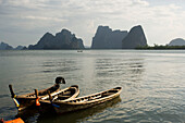 Wooden jetty and boats, Ko Panyi, Muslim fishing village, Phang-Nga Bay, Ao Phang Nga Nation Park, Phang Nga, Thailand