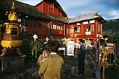 pilgrims, monkey, Xixiang Chi monastery and temple, Elephant Bathing Pool, Emei Shan mountains, World Heritage Site, UNESCO, China, Asia