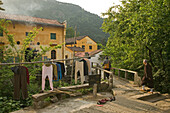 washing line, Tianchi Monastery, Bodhisvattva Kshitigarbha, Jiuhuashan, Mount Jiuhua, mountain of nine flowers, Jiuhua Shan, Anhui province, China, Asia