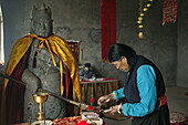 summit temple, temple guards, offerings, Wutai Shan, Five Terrace Mountain, Buddhist Centre, town of Taihuai, Shanxi province, China, Asia