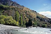 Abenteuerurlaub, Ein Wildwasser Schlauchboot Tour, Shotover River, in der Nähe von Queenstown, Südinsel, Neuseeland