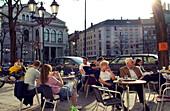 Outdoor Cafes am Gärtnerplatz, München, Bayern, Deutschland, Reise