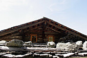Typical roof of austrian log cabin, Restaurant Maurachalm, Nationalpark Hohe Tauern, Salzburger Land, Austria