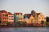 Häuserfront von Willemstad, Punda, Curacao, ABC-Inseln, Niederländische Antillen, Karibik