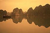 Vietnam, Halong Bay, Sunset