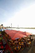 riverside walk, gastronomy at the promenade of Düsseldorf, old part of town, state capital of NRW, North-Rhine-Westphalia, Germany