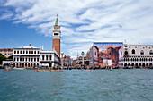 Blick auf Markusplatz, Piazza San Marco, Sehenswürdigkeit, Venedig, Italien