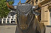 Sculpture of a bull outside Frankfurt Stock Exchange, symbol for upward trend, Frankfurt, Hesse, Germany