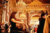 Herrenchiemsee Festspiele, Konzert der Chorgemeinschaft Neubeuern in der Spiegelgalerie im Neuen Schloß Herrenchiemsee, Chiemgau, Oberbayern, Bayern, Deutschland