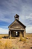 Old schoolhouse, Wildwest, Oregon, USA