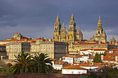 Dramatic sky over the old city with westside view of Cathedral, Catedral de Santiago de Compostela, Santiago de Compostela, Galicia, Spain
