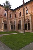 Außenansicht von Monasterio de Santa María la Real, Kreuzgang, Jakobsweg, Nájera, La Rioja, Spanien