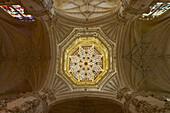 Vault of the dome, cupola, 16th Century, 59m high, in Cathedral Santa María, Catedral Santa María, Burgos, Castilla Leon, Spain